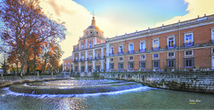 (037/18) Jardín del Parterre (Pablo Arias) Tags: pabloarias photoshop photomatix capturenxd españa cielo nubes arquitectura agua edificio palacio río árbol cascada aranjuez madrid