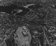 Αεροφωτογραφία της Αθήνας. (Giannis Giannakitsas) Tags: ελλαδα greece grece griechenland αθηνα athens αεροφωτογραφια