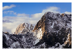 Apuan dolomites (Mattia Querci) Tags: apuan alps tuscany italy lucca versilia mountain mountains summit ridge crest peak snow winter rock top
