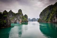 Halong bay (Valdy71) Tags: vietnam halong bay seascape landscape valdy nikon water