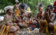Alotau (pguiraud) Tags: alotau sergeguiraud portrait mélanésie papouasienouvelleguinée papua océanie peinturescorporelles