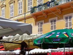 (MAGGY L) Tags: sud côtedazur parasol marché nice façades dmcfz200