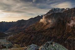 Val Divedro all'alba (cesco.pb) Tags: passodelsempione simplonpass svizzera switzerland valdivedro alps alpi fletschhorn montagna mountains alba dawn sunrise canon canoneos60d tamronsp1750mmf28xrdiiivcld