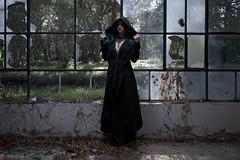 IMG_1943 (m.acqualeni) Tags: manu manuel ginette osef le dieu g shaman cosplay dark urbex maison abandonné house broken fille femme capuche gothique gothic goth
