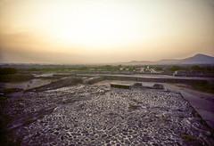 Teotihuacán in 1982, v.21, San Juan Teotihuacán, Mexico (lumierefl) Tags: mexicocitydf ciudaddemexico distritofederal northamerica latinamerica hispanicamerica architecture building pyramid stone mesoamerica precolumbian indigenous indian nahuatl ruins