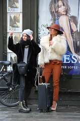 Fashionista tourists (jeangrgoire_marin) Tags: ladies fashion fashionista mode paris winter tourists events
