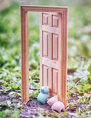 18/365 : Doorway (♥GreenTea♥) Tags: pig eraser pigeraser pigs erasers pigerasers bluepig pinkpig blue pink macro ground door iwako iwakoeraser iwakoerasers イワコー ef100mmf28macrousm canonef100mmf28macro t1i canont1i canont1irebel eos canoneosrebelt1i hdr googlenikcollection nikcollection colorefexpro viveza hdrefexpro 365 photoaday pictureaday project365 365toyproject oneobject oneobject365daysproject 365the2018edition 3652018 day18365 18jan18 365day18 day18 project36518 project36501182018 01182018 odc ourdailychallenge doorways odcdoorways ourdailychallengedoorways