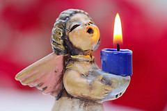 THE ANGEL OF LIGHT. (FRANCO600D) Tags: flame hmm macromondays macromondaysthemeflame macro angelo angel fiamma candela candle fuoco fire canon eos600d stilllife franco600d 2039 133 74