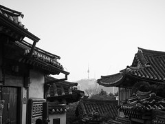 Hanok village (dvduffelen) Tags: red seoul south korea sk asia city