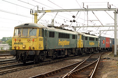 86609+86632 (Cumberland Patriot) Tags: porterbrook leasing company freightliner br british rail ee english electric al6 class 86 866 e3102 3102 86009 86409 86609 e3110 3110 86027 86327 86427 86627 the industrial society cans 25kv ohl overhead line locomotive loco container iso powerhaul power haul intermodal train trains freight goods