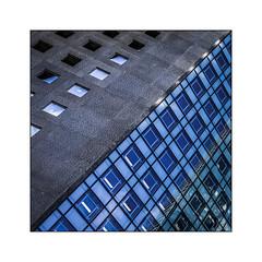 Série La Défense: n° 26 (Jean-Louis DUMAS) Tags: architecture art artist artiste artistic architect architecte building abstract abstrait sony ilca99m2 gratteciel bâtiment ciel ville fenêtre reflets reflections géométrique lignes bw black noir blanc explore grey