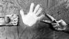Morra cinese (fil.nove) Tags: morracinese rockpaperscissors cartaforbicesasso roshambo rochambeau rowshambow ickackock janken mora gawibawibo jankenpon cachipun farkle kenkenpa kaibaibo sasso rock carta paper forbici scissors gioco canon60d tamron1750 canonphotography blackandwhite biancoenero muro wall mani hands