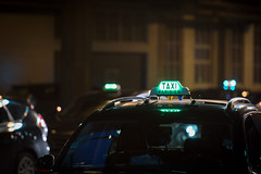 . (M.Pat) Tags: parisbynight taxi