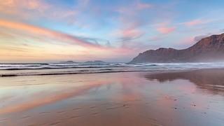 *Playa de Famara @ purple dreams*