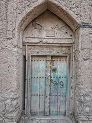 Old door in Birkat Al Mouz.