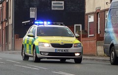 Greater Manchester Rapid Response Paramedic Skoda Octavia Est PN16 MZE (sab89) Tags: greater manchester rapid response paramedic skoda octavia est pn16 mze