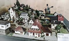 """Schauanlage in den """"Faller Miniaturwelten"""" (M. Schirmer Berlin) Tags: deutschland germany schwarzwald blackforest faller modellbau holzhäuser holzhaus pappe modellbahn modelleisenbahn modelrailroad h0 kunststoff spritzguss papphäuser schauanlage diorama"""