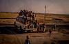 inde rajasthan 1983 (joboss83) Tags: inde diapo bus personne peo people couleurs désert ragastan fuji xt1