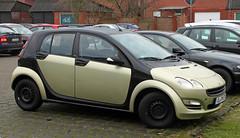 4 Door Smart (Schwanzus_Longus) Tags: delmenhorst german germany modern car vehicle compact hatchback daimler mercedes benz smart forfour fahrzeug auto