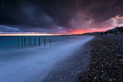 Promenade des Anglais (CT photographie) Tags: cotedazur nice nissa frenchriviera france french flickr filtres landscape longexposure lee sunset sea paca paysage promenade plages alpesmaritimes anglais feu