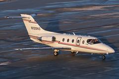 OneJet (Contour Aviation) // Raytheon Hawker 400XP // N109NS (cn RK-452) // KCMH 1/19/18 (Micheal Wass) Tags: cmh kcmh johnglenncolumbusinternationalairport johnglenninternationalairport johnglennairport j1 vte onejet contouraviation corporateflightmanagement beechcraft beechcraftbeechjet beechjet beechcraft400a beechcraftbeechjet400a hawker400xp beechjet400a beechjet400xp raytheonhawker400xp be40 n109ns