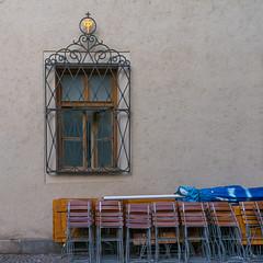 HWW in München, Heiliggeiststraße (Janos Kertesz) Tags: münchen munich bayern bavaria fenster house old wall street architecture exterior building window nobody facade vintage stone ancient