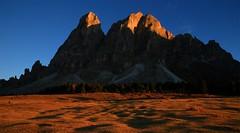 Small Girl Big Mountain Low Sun _MG_6901m1(1) (maxo1965) Tags: sassdeputia peitlerkofel würzjoch passodelleerbe dolomites südtirol trentinoaltoadige goldenlight autumn landscape
