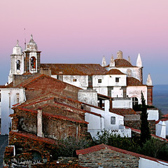Monsaraz, Portugal (pom.angers) Tags: portugal alentejo alentejocentral évora monsaraz reguengosdemonsaraz november 2006 canondigitalixus500 100 200 300 400 europeanunion twilight 500 5000