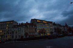 Belgique - Bruxelles - Quartier des Squares (V3) (saigneurdeguerre) Tags: europe europa belgique belgië belgium belgien belgica bruxelles brussel brussels brüssel bruxelas quartier ponte antonioponte aponte ponteantonio saigneurdeguerre canon 5d mark iii 3 quartierdessquares square nuages sky ciel obscurité sombre nuageux froid