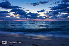 Sunrise (Markus Lenz) Tags: amerika diewelt florida fortlauderdale himmel meer morgensonne naturlandschaft orte sonne sonnenaufgang strand usa vereinigtestaaten wasser