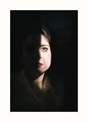 (Antonio Gutiérrez Pereira) Tags: antoniogutierrezfotografia dinamocoworking retrato portrait mirada miedo soledad luz sombra