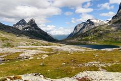 Trollstigen (Hilde Carmans) Tags: noorwegen trollstigen juli norway europe mountains snow lake water mountainrange mountainpeak mountainpass snowcapped pass