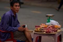 IMGP8898 Fresh dog meat for sale (Claudio e Lucia Images around the world) Tags: market portrait street vietnam pentax streetmarket vendor pentaxk3ii cibo meat carne butcher conson condao dogmeat doghead road pentax60250