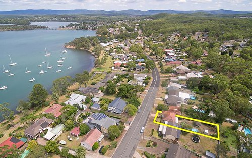 110 Bay Rd, Bolton Point NSW 2283