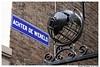 Achter de Wereld (XBXG) Tags: achter de wereld achterdewereld den bosch denbosch shertogenbosch brabant noordbrabant nederland holland netherlands paysbas street sign streetsign bord bordje typographie straatnaam straatnaambord text old vitreous enamel émaille emaille museumkwartier behind world globe muur mur wall hek fence steeg ruelle alley
