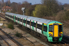 377427, Gatwick Airport, March 18th 2009 (Southsea_Matt) Tags: 377427 class377 electrostar bombardier goahead govia gtr southernrailway emu electricmultipleunit gatwickairport sussex england unitedkingdom march 2009 spring canon 80d 24105mm train railway railroad passengertravel publictransport vehicle