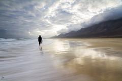 Playa de Cofete (iurgi.) Tags: cofete playa beach amanecer soledad calma calm sunrise grouptripod