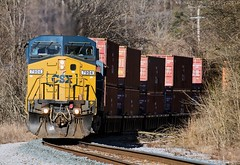CSX Q126-04 at Chattanooga, TN (KD Rail Photography) Tags: csx howtomorrowmoves qualityinmotion intermodal intermodaltransportation container doublestack ge generalelectric gevo tennessee tennesseevalley chattanooga eveninglight eveningsky c408w es44dc winterseason winterweather trains railroads transportation diesellocomotive diesel locomotive