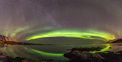 Green Sky (s-ba-dum81) Tags: northern light green aurora borealis seascape nightscape panorama canon auroraborealis lofoten 2018