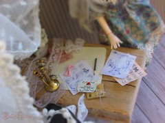 4 | Be Creative (Little Queen Gaou) Tags: pullip doll groove nanachan victorian story photography photographie old vintage shabby romantic taeyang diorama dollhouse minatures