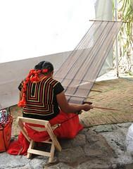 Ikoots Huave Weaver Oaxaca Mexico (Ilhuicamina) Tags: mexico woman mujer tejedora weaver backstraploom sanmateodelmar textiles oaxacan huave ikoots