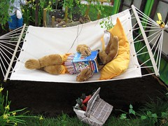 Relaxing (Hannelore_B) Tags: hase rabbit thereisnoplacelikehome flickrfriday ostern easter