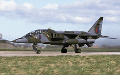 JAGUAR T2 XX845 ET EGQS 150498 CLOFTING 1 P (Chris Lofting) Tags: jaguar t2 xx845 et 6 lossiemouth raf