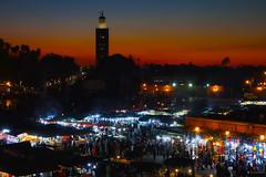 Mosquée (KRAMEN) Tags: night sunset market street people