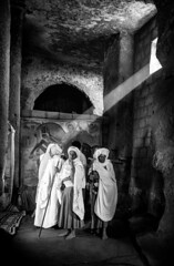 A ray of hope in darkness (Frank Busch) Tags: frankbusch frankbuschphotography bw blackandwhite christmas ethiopia laibela light monochrome orthodoxchristmas painting pilgrims rayoflight rockhewnchurches travel wwwfrankbuschname