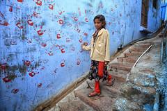 rajasthan - india 2018 (mauriziopeddis) Tags: rajasthan india jodhpur blu city street reportage people tribe tribal asia hand red mani colors travel trip