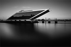 DOCKLAND X (Kai-Uwe Klauss) Tags: architektur dockland elbe hamburg köhlbrandbrücke sommer thema hh teherani bürogebäude