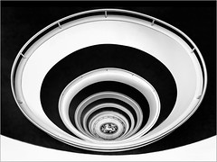 spiral #3 (ingrid.lowis) Tags: architektur hamburg kontorhäuser treppenhäuser stairwell versmannhaus architecture bw monochrom