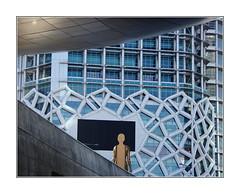 Fascination du trou noir / Séoul (PtiteArvine) Tags: architecture sculpture modernité ville séoul coréedusud asie fenêtres