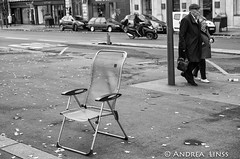 empty places..... (andrealinss) Tags: frankreich france paris parisstreet 35mm andrealinss bw blackandwhite schwarzweiss street streetphotography streetfotografie emptyplaces